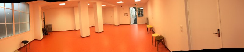 salle-orange-pour-groupes-et-interventions
